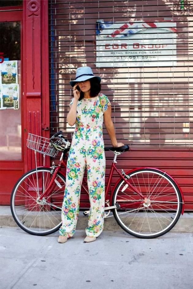 street-style-floral_print-jumpsuit